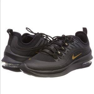 Nike Air Max Axis Running Shoe black sneakers 9.5